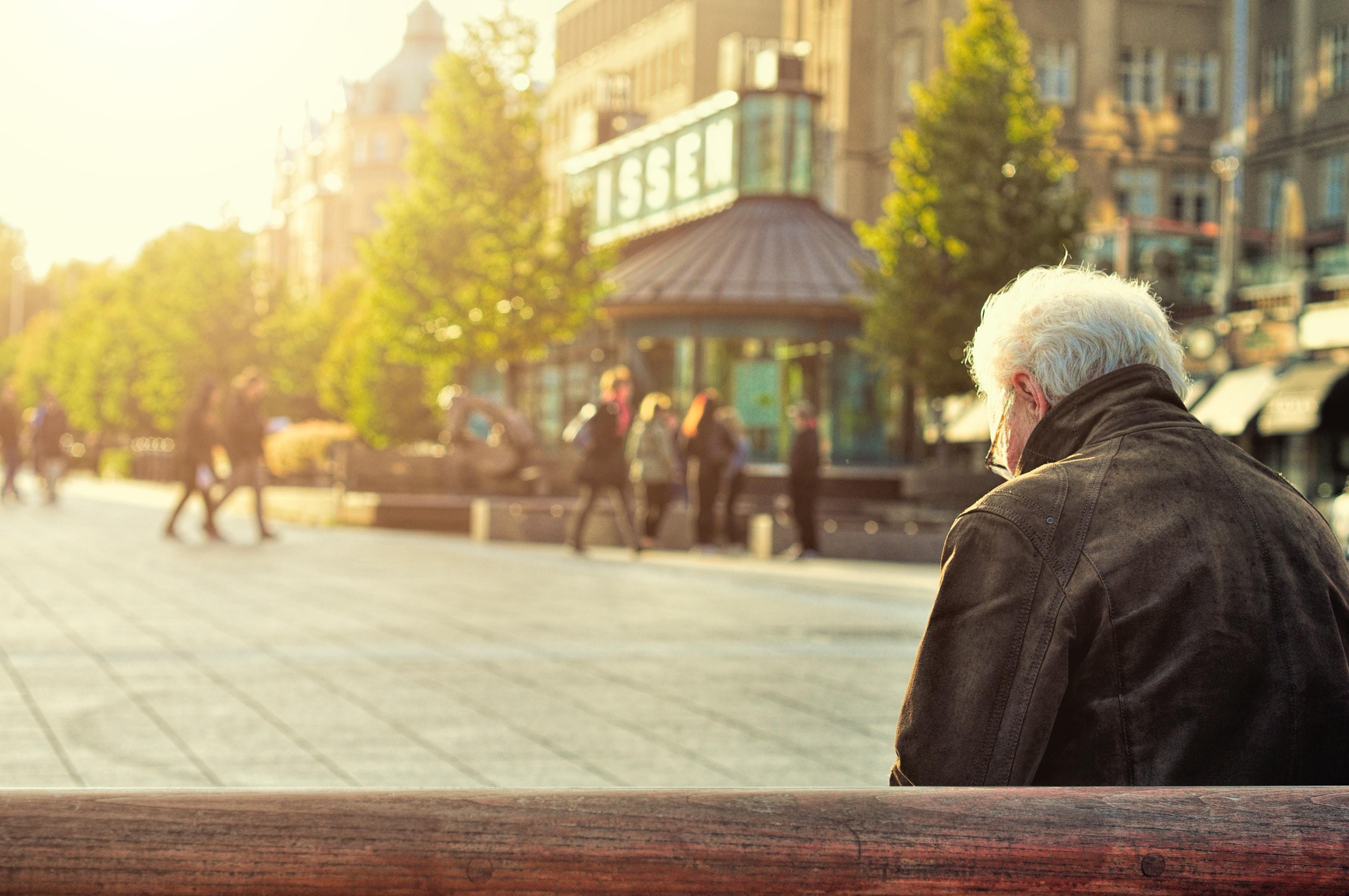 Les grandes conférences - L'âgisme: Comprendre et changer le regard social sur le vieillissement